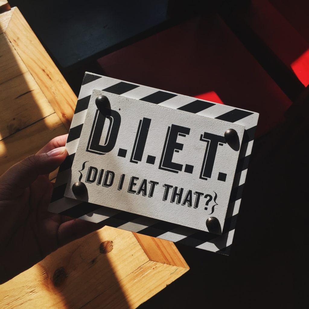 食事制限ダイエット痩せる